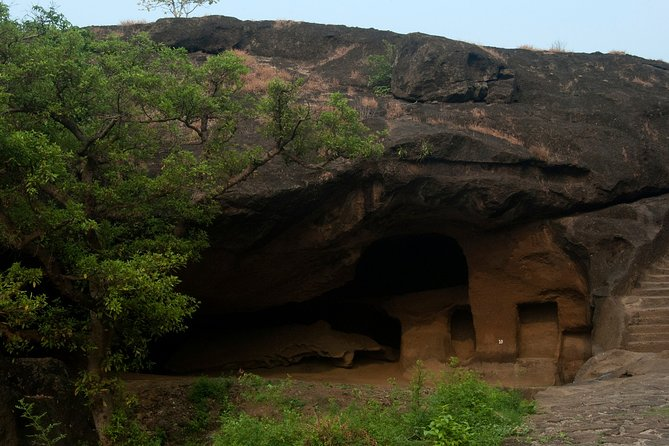 Mumbai Discovery and Kanheri Caves Tour with Private Transfers