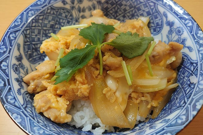 ONLINE JAPANESE COOKING / Oyakodon (chicken and egg rice bowl)
