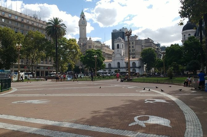 Walking Tour of the Plaza de Mayo in Buenos Aires