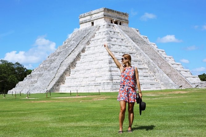 Experience Chichén Itzá in one full day tour and visit a Cenote and Valladolid