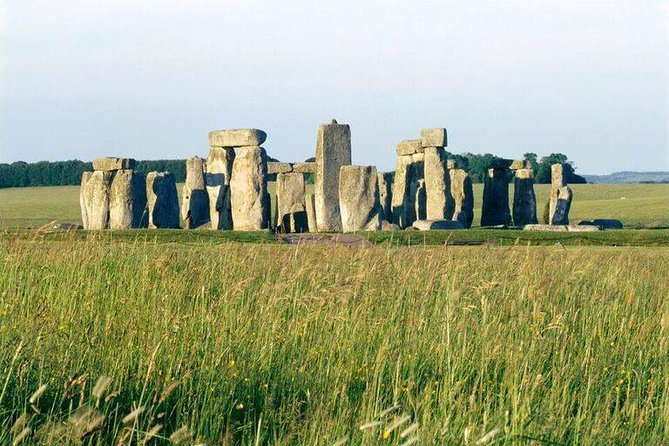 Archaeologist-led Stonehenge, Salisbury and Avebury Small Group tour from London