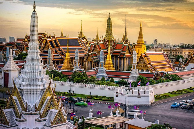 Bangkok Private Car Charter (English speaking driver)