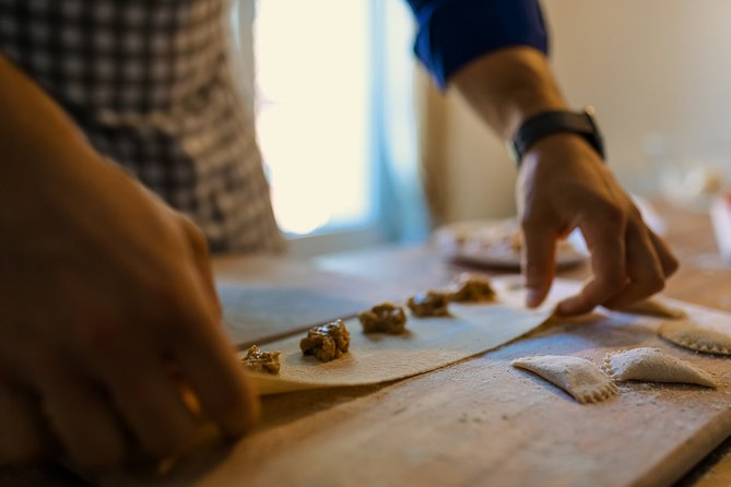 Homemade pasta cooking class and lunch in the heart of Madrid