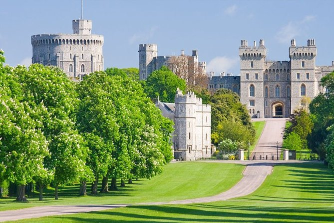 Half Day Tour to Windsor castle By Private Executive Car