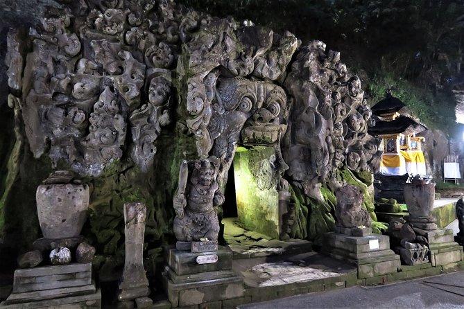 One Day Tour Bali - √Goa Gajah √Penolakan Kintamani √Besakih √Kerthagosa