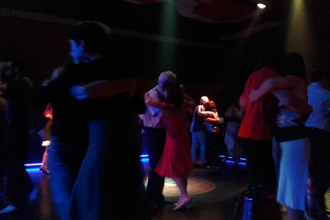 Visit to the milonga (Tango) with guide Private