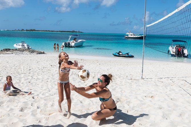 Private Powerboat Half-Day Snorkel with Wild Turtles, Coral Reefs & Beaching