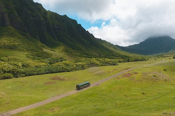 Inside Ka'a'awa Valley on the Hollywood Movie Site & Ranch Tour