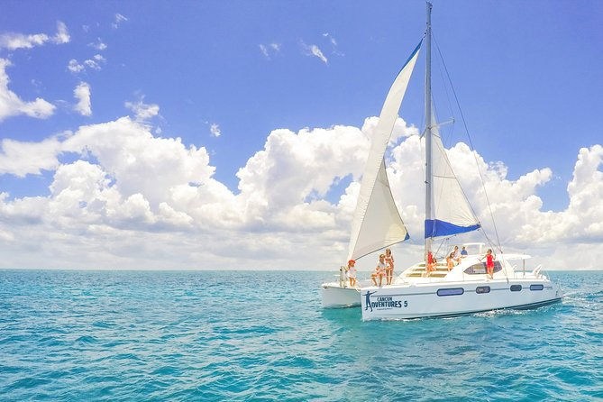 Snorkeling in Isla Mujeres, Luxury Sailing