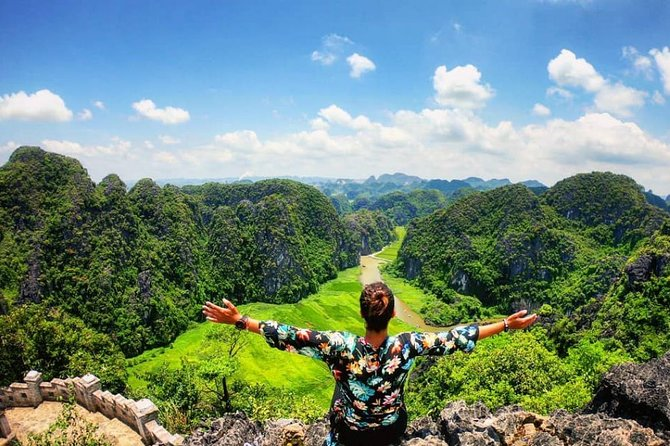Hoa Lu Citadel - Trang An - Mua Cave Fullday Ninh Binh Private Tour