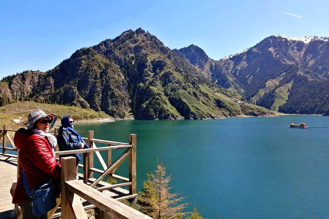 Private Urumqi Day Tour to Heavenly Lake and Grand Bazaar