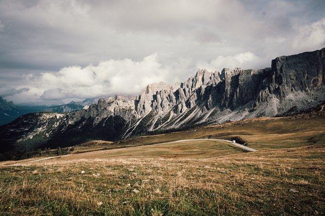 Private tour Dolomites: Passo Falzarego, Passo Giau, Cortina d'Ampezzo