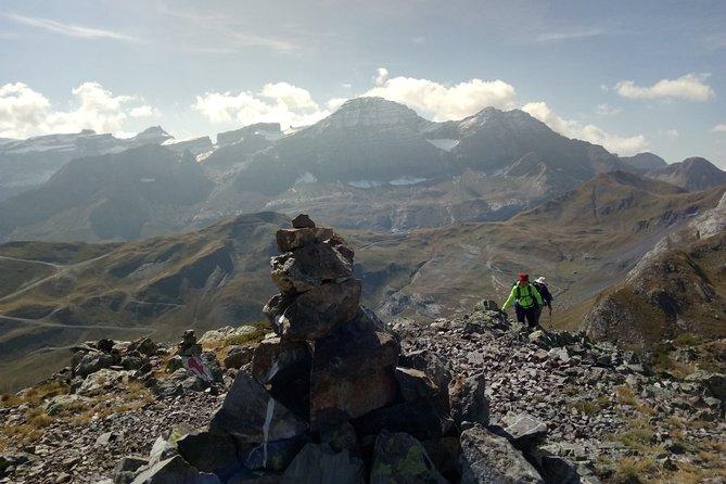 Guided mountain hike on the Lary de Gavarnie