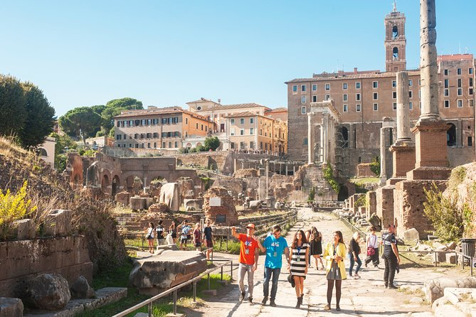 Private Tour of the Colosseum, Roman forum & Palatine hill with Arena Floor