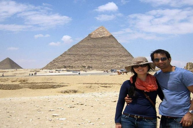Day Tour to Pyramids and Egyptian Museum