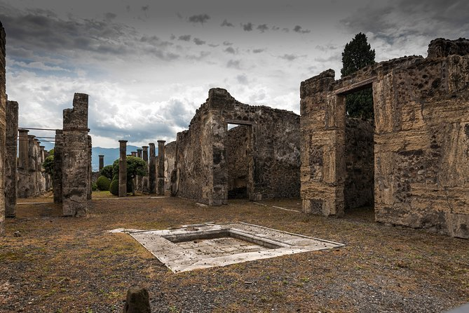 Pompeii Semi-private day tour – lunch included