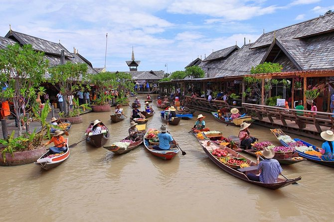 Half-Day Pattaya Floating Market Tour with Pickup
