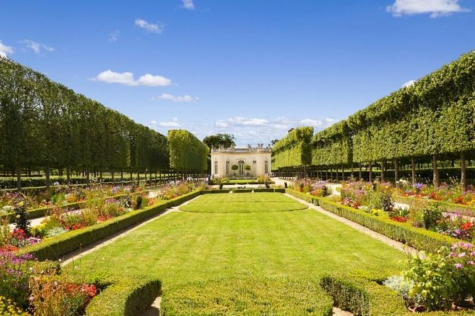 Guided tour of Versailles by train from Paris