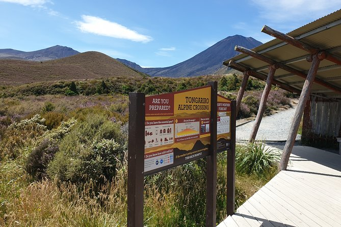 Round Trip Tongariro Crossing Shuttle from National Park