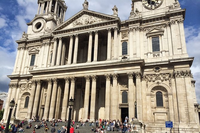 7 Day Private Tour of London with Host Family Accommodation