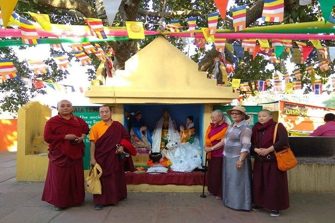14-Day Buddhist Tour in India with Accommodation