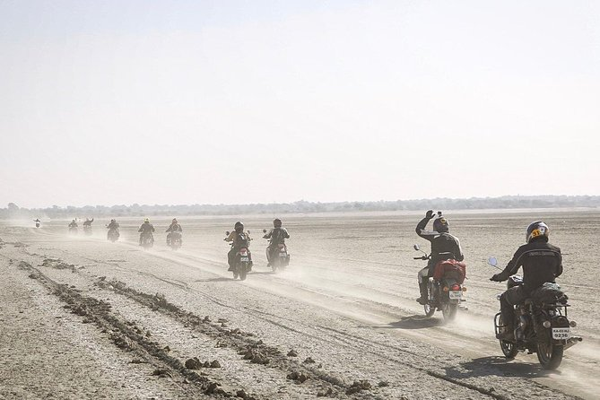 Jaipur to Pushkar 2-Day Motorbike Tour with Desert Camping