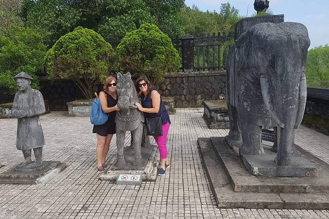 Private Full-Day Tour to Hue Citadel with Boat Trip and Lunch