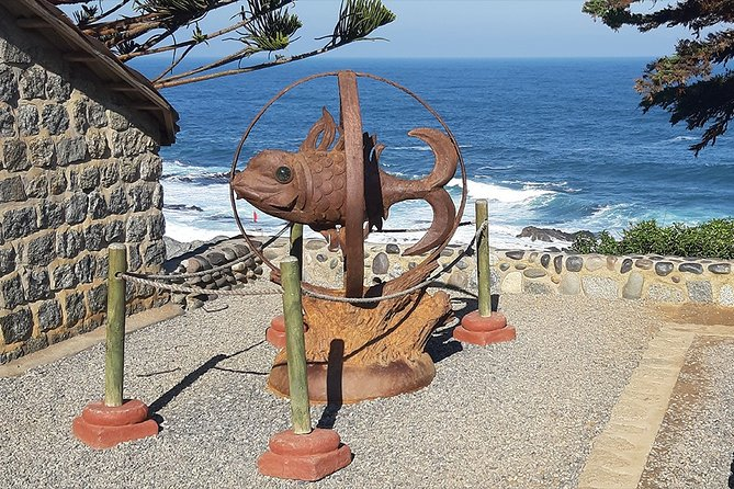 Private Full-Day Cultural Tour: Isla Negra, Pomaire and Matetic Vineyard photo 1