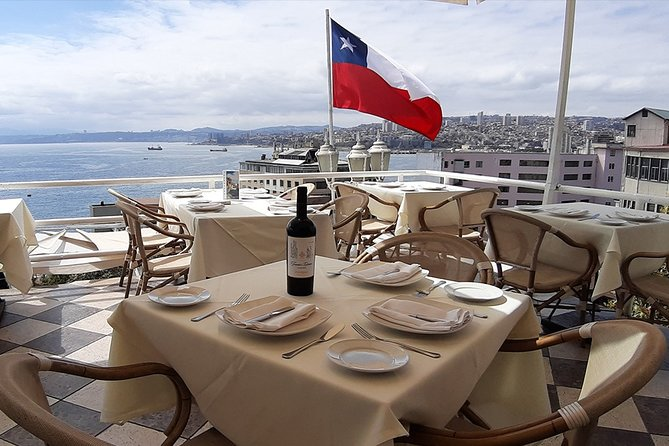 Private Full-Day Tour: Valparaiso, Viña del Mar and Casas del Bosque Vineyard