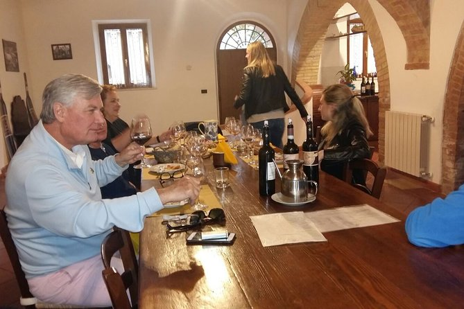Truffle and Brunello Sommelier Vip Experience in Tuscany