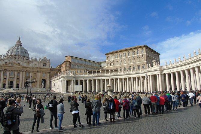 Transfer Civitavecchia Port to Fiumicino FCO Airport with 3 hours Rome Tour