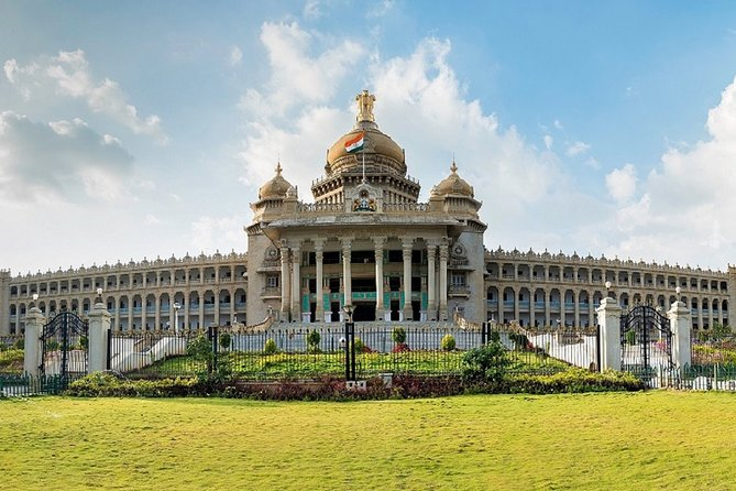Best of the Bangalore (Guided Full Day Sightseeing Tour with Food Tasting)