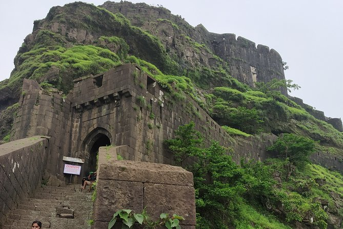Sinhagad Fort Trip (Guided Half Day Sightseeing Tour)
