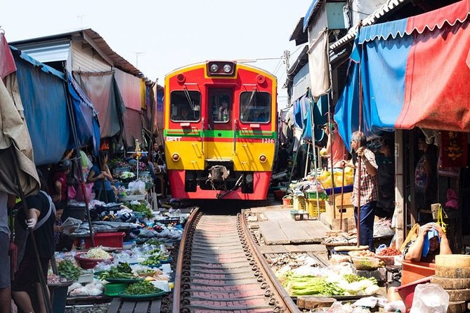 DamnoenSaduak Floating Market and Maeklong Railway Market Tour