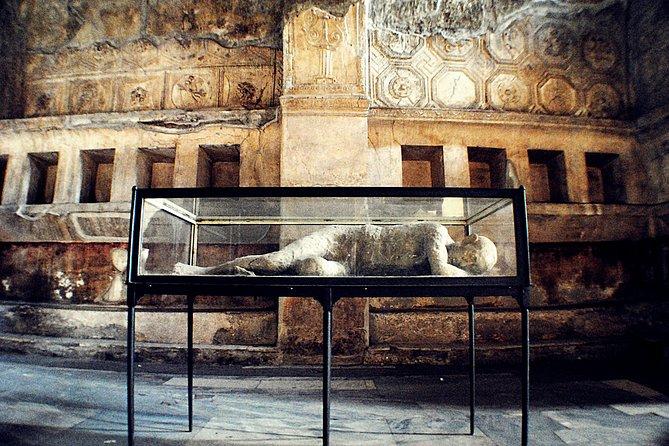 Full-Day Private Tour to Pompeii, Sorrento and Positano