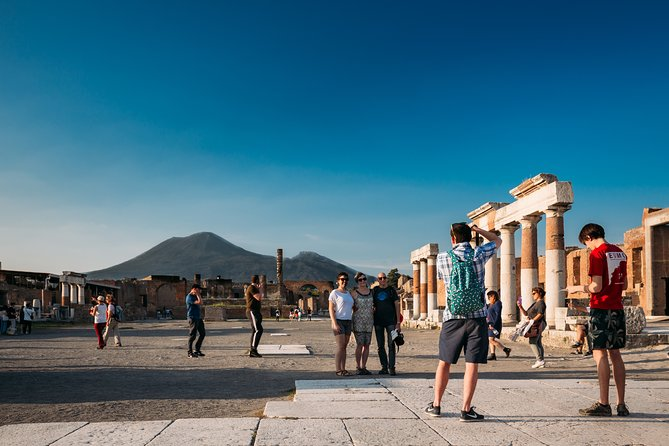 Guided Historical Tour of Pompeii Park for Families