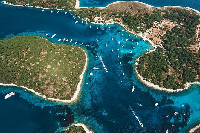 Private Half Day Boat Tour to Hvar and Pakleni Islands from Trogir