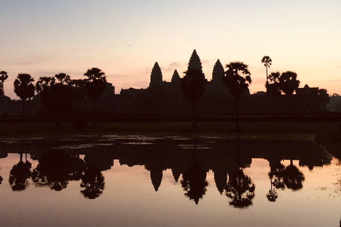 Half-Day Angkor Wat Sunrise Private Tour with Pickup