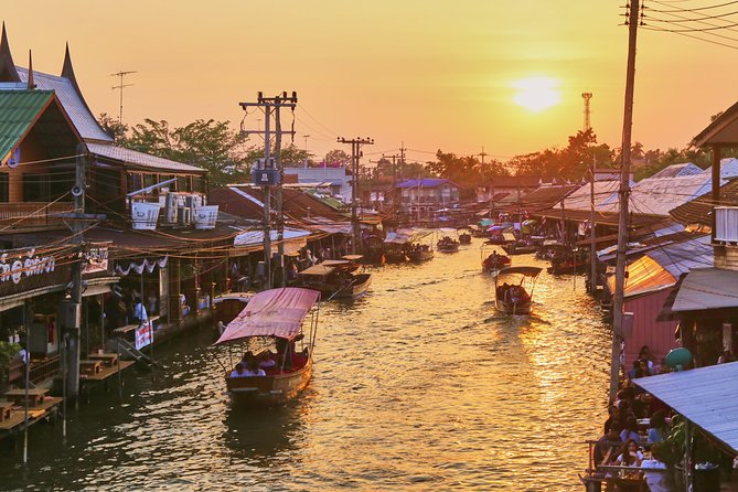 Amphawa Floating & Maeklong Railway Train Market Private Tour
