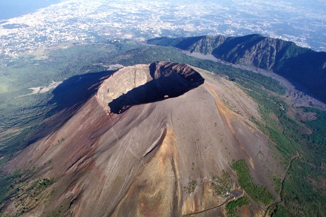 Full-Day Private Guided Tour to Pompeii and Mt Vesuvius