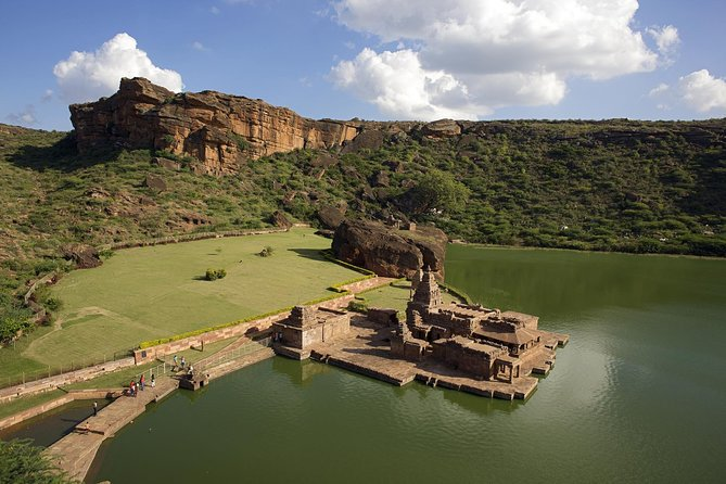 Hubli to Hampi, Bijapur, Badami & Anshi National Park Tour