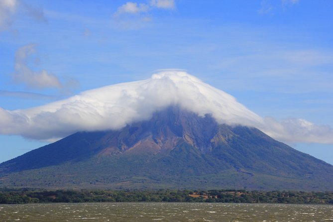 Small-Group expedition of Ometepe Highlights with El Ceibo Museum