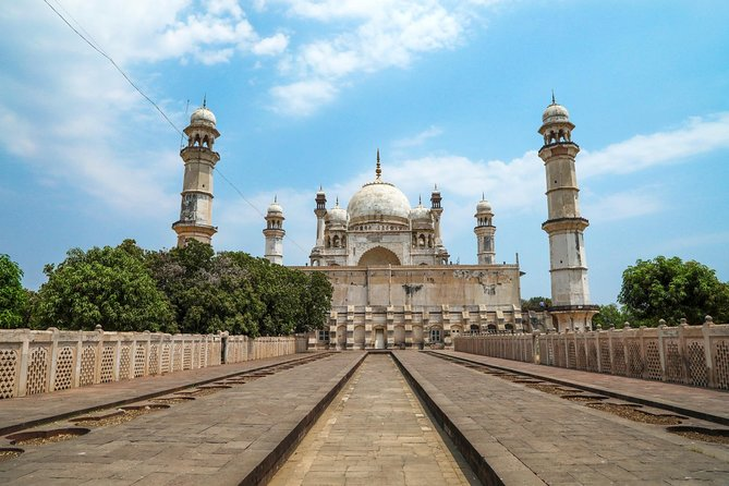 Mumbai & Three Jyotirlinga Temples in Maharashtra