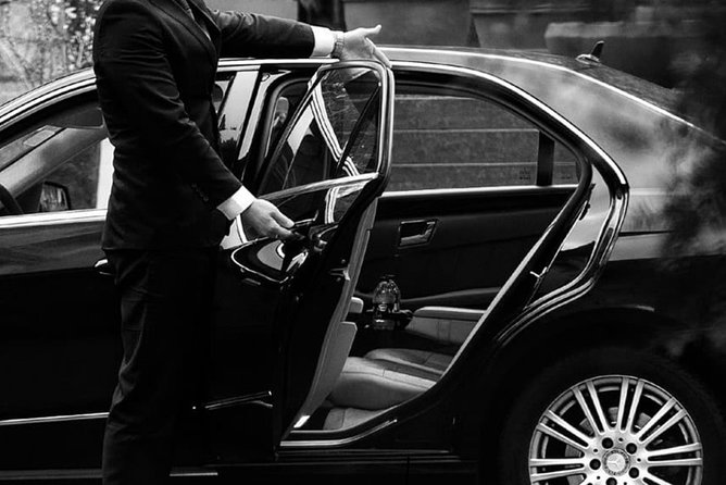 Limousine transfer service from / to railway station in Rome