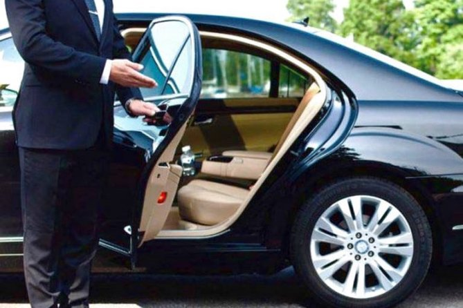 Limousine transfer service from Rome center (Aurelian Walls) to Airports