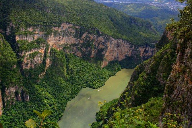 Full-Day Tour to Sumidero Canyon, Chiapa de Corzo with Pickup