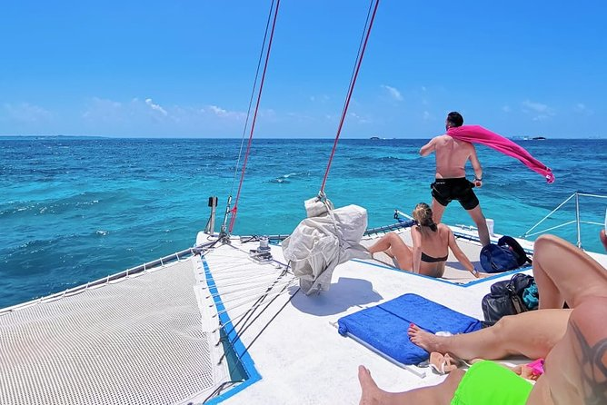 Catamaran excursion with open bar from Quintana Roo