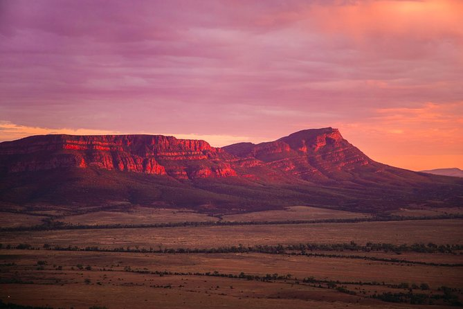 Sunset Spectacular Evening Tour at Wilpena Pound and the Flinders Ranges