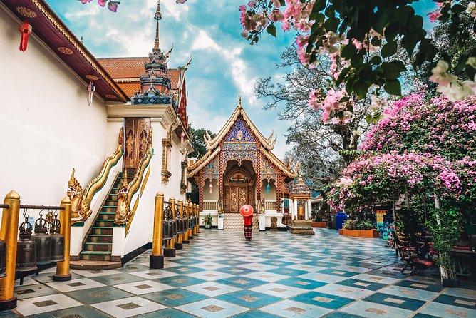 Doi Suthep and Wat Pha Lat Sunrise Private Tour – Half Day