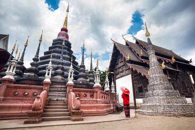Chiang Rai Temples Private Tour: White Temple, Blue Temple & Black House